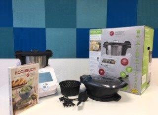 Monsieur Cuisine connect Küchenmaschine mit Kochbuch, Mixbehälter, Gareinsatz, Garaufsatz, Spatel, Rührstab